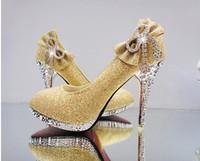 yeni stil altın ayakkabı topuklu toptan satış-2018 altın sıcak satıcı yeni stil su geçirmez gelin ayakkabıları kırmızı renk yüksek topuk düğün kadınlar seksi ayakkabı
