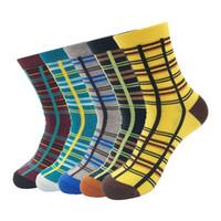 uzun pamuk fişleri toptan satış-Pamuk Erkekler Uzun Şerit Çorap kaymaz Sıkıştırma 2017 Sonbahar / Kış Yüksek Kalite Marka Mutlu Çorap 5 Çift / grup