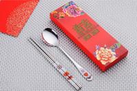 yemek takımı ayarı toptan satış-Paslanmaz Çelik Yemek Çift Mutluluk Kırmızı Renk Kaşık Chopstick Setleri Düğün Parti Konukları Için