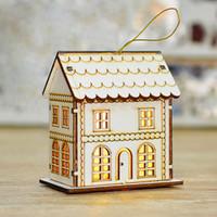 decoraciones chinas de madera al por mayor-Adornos navideños de estilo chino retro cabina retro luces led colgantes de madera decoraciones navideñas