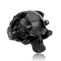 18cdc38eab32 SKA Anillos Para Hombres Personalidad Joyería Del Partido Del Cráneo  Adornos de Acero de Titanio Exageran Punk Gigante Garra Cráneo Hombres  Anillo BR8-049