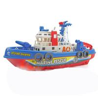 barco de plástico para niños al por mayor-Niños Electric Fire Boat Music Light Spray Conducción de agua Modelo Toy Force Control Plástico para niños y niños