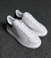 мужская обувь из белой кожи для продажи оптовых-Дизайнер роскошный человек Повседневная обувь кожа мужская женская мода белая кожа удобная обувь плоские повседневные кроссовки ежедневно бег трусцой дешевые на продажу