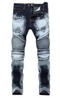 top zerrissene jeans männer großhandel-Männer Distressed Ripped Jeans Modedesigner Straight Motorrad Biker Jeans Causal Denim Hosen Streetwear Style Herren Jeans Cool