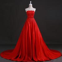 vestido de noiva de seda com crepe venda por atacado-Novos vestidos de casamento com apliques elegante princesa vestido formal lindo strapless branco / marfim / vermelho a linha de vestido de noiva