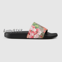 Wholesale female sandals resale online - 2018 Mens and Womens fashion Beach Slide Sandals male female flower blooms print leather Slippers Size euro35