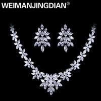collar floral blanco al por mayor-WEIMANJINGDIAN Oro Blanco Plateado Cubic Zirconia Diseño Floral Zircon CZ Collar Pendiente Conjuntos de Joyas de Boda D18101002