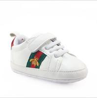 zapatillas de deporte de los muchachos al por mayor-Bebe Baby Boys Girls Zapatos de cuna con suela blanda PU Zapatos antideslizantes de cuero Zapatillas para niños pequeños 0--18M Zapatos para niños