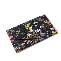 женские кошельки для женщин оптовых-Vintage Flower Ethnic Ladies Hand Embroidered Clutch Wallets Designer Envelope Bag Women Large Capacity Clutch High Grade