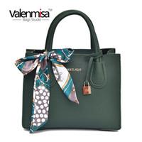 посыльный кожаные дамы оптовых-Vintage Leather Ladies HandBags Women Messenger Bags Totes Lock Designer Crossbody Shoulder Bag Scarf Hand Bags Hot Sale