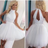 boncuk kokteyl topları toptan satış-Seksi Yeni Beyaz Tül Mini Mezuniyet Elbiseleri Halter Boncuklu Kristaller En Hollow Bir Çizgi Kısa Balo parti Törenlerinde Kokteyl Elbiseleri Ucuz