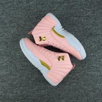 обувь для молодежи оптовых-2018 Девушки мастер такси кроссовки Drop shipping женщины 12 GS гипер молодежи розовый День Святого Валентина 12s сливы туман гриппа игры повседневная обувь размер 5.5-8.5