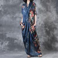 mavi çiçek şortu toptan satış-BUYKUD 2018 Yaz Vintage Çiçekli Baskılı Derin V Yaka Uzun Elbise Kadınlar Gevşek Kısa Kollu Zarif Robe Mavi Elbiseler Cep Ile