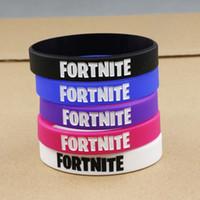 les bracelets en silicone brillent achat en gros de-Bracelet Fortnite Partie Fournitures Bracelet En Caoutchouc De Silicone Glow in The Dark pour Enfants Faveurs De Fête D'anniversaire Livraison Gratuite