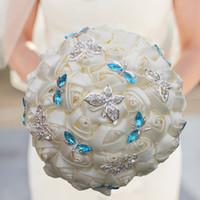 krem çiçek broş toptan satış-Zarif Fildişi Krem Gül Kelebek Kristal Elmas Dikiş Düğün Buket Gelin Mariage Broş Düğün Çiçek Custom Made Buket W2217