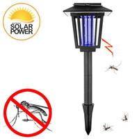 ingrosso assassini alimentati da insetti solari-Lampade ad energia solare anti-zanzara Bug Zapper Insetto Pest Killer Luce solare per giardino Fence Yard Street Path Walkway