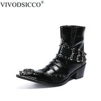 erkekler metal ayakkabı işaret etti toptan satış-VIVODSICCO Moda Perçinler Erkekler Ayak Bileği Çizmeler Çift Cuckles Resmi Elbise Ayakkabı Sivri Burun Metal Toes Çizmeler Kovboy