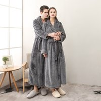 ingrosso indumenti da notte femminili invernali-Uomo e donna flanella più dimensioni accappatoio inverno accappatoio lungo accappatoio delle donne abiti da notte pigiama sexy femminile pigiama