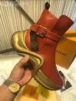 braune flache stiefel für frauen großhandel-vvtisks5 WELLENFÖRMIGE FRAUEN BROWN LEINWAND GÜRTEL CLASSIC FLAT STIEFELETTEN SNEAKER Pumps Slipper Ballerinas Espadrilles Wedges Sneakers Stiefel