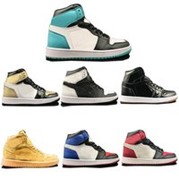 Wholesale media choice - TOP 1 OG Brand Basketball Shoes 7 Choice Men 1s Fashion Designer Sneakers AAA+ Quality Sportswear With Box