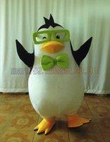 lunettes de pingouin achat en gros de-Costume de mascotte de lunettes Penguin Livraison gratuite taille adulte, fête de carnaval de luxe en peluche Penguin célèbre les ventes de l'usine de mascotte.