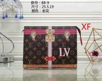 Wholesale envelope makeup bag resale online - 2018 Hag old flower rectangular handbag women travel makeup bag new designer high quality men wash bag famous brand cosmetic bags