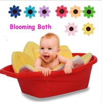 inch schaum blumen großhandel-Blühendes Bad-Baby-Blumen-weicher netter faltbarer Schaum für das neugeborene Baby, das 11 Farben Spitzenqualität 80cm / 31.5 Zoll C2694 badet