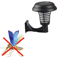ingrosso bug di giardinaggio-UV LED Solar Powered Anti Zanzara Insetto Parassita Zapper Killer Outdoor Yard Garden Prato a parete Insetto Trappola Lampada Della Luce Q0482