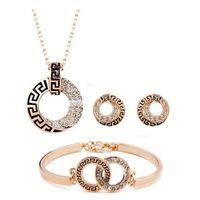 gold hochzeit halskette schmuck sets großhandel-Luxus 18 Karat Rose Gold Überzogene Geometrische Diamant Kristall Halskette Armband Ohrringe für Frauen Mit SWA Elemente Hochzeit Schmuck Sets