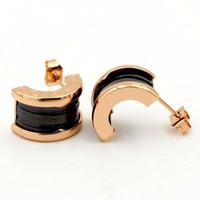 ingrosso mezza mezza bianca nera-Migliori perni in ceramica titanio acciaio per donna oro 18 carati oro rosa semicircolare bianco nero ceramica a forma di c mini orecchini borchie di alta qualità
