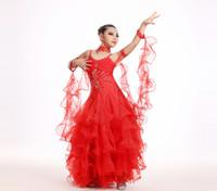 weiße tanzkleider für mädchen großhandel-Neu in, Mädchen Standard Ballroom Dance Kleid grün / pink / weiß / rot Farben modernen Tanz Kostüm für Kinder zeigen Tanzkleid # 38