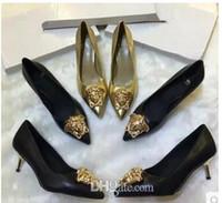 talons d'or achat en gros de-Talons d'or Designer Medusa Fête de mariage Pompes nuptiales Talons hauts fins Chaussures habillées pour dames avec boîte