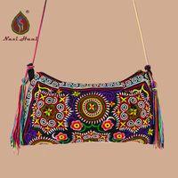 сумочки ручной работы оптовых-On Sales  fashion handmade women handbags vintage canvas Ethnic Inclined shoulder bags