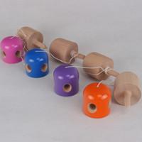 japanisches holzspielzeug großhandel-Buntes 5 Loch Kendama Kindspielzeug-japanisches Spiel-hölzerner Jonglierball-multi Farben-Qualitäts-10qq C