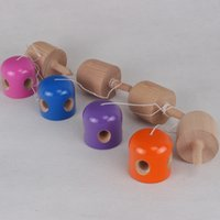ingrosso giocattolo giapponese della sfera di legno-Colorato 5 buche Kendama Kid Toy Gioco giapponese in legno Juggling Ball Multi colore di alta qualità 10qq C