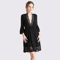 d4a573ff1f15 Primavera donne sexy pizzo nero mini abiti femminile profondo scollo a V  doppia volant maniche prospettiva elegante abito da sera corto