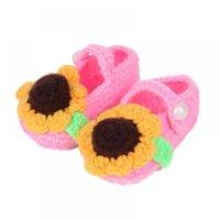 baby handgefertigte socken großhandel-Handmade Girl / Boy Schuhe Kinder Babyschuhe Infant 1 Paar Woolen Crochet Walker Krippe stricken Cute Baby Socke