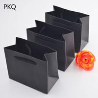 çanta hediye paketi kağıdı toptan satış-20 adet 12 * 6 * 10 cm Küçük Kağıt Torba Takı Hediye Ambalaj Için Siyah Beyaz Pembe Kraft Kağıt Hediye Çanta Kolu Ile Düğün Şeker Torbaları