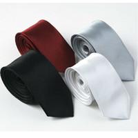 corbata a cuadros negro rojo al por mayor-Nuevos lazos sólidos delgados de los hombres Mujeres clásicas del poliester Corbatas Moda Plaid Mans Tie 2014 primavera negro rojo gris 5cm ancho corbata