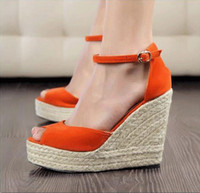 überzogene keilsandale großhandel-Plus Size Bohemian Frauen Sandalen Knöchelriemen Stroh Plattform Keile für weibliche Schuhe Flock High Heels Abdeckung Ferse Sandale