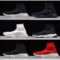 bottes homme noir pu achat en gros de-Balenciaga Men Women Triple S 2019 femmes hommes chaussettes de course de vitesse pour hommes noir blanc rouge vitesse entraîneur de sport baskets bottes top casual chaussures mi chaussettes 36-45
