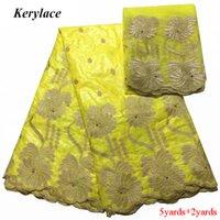 gelber baumwollstoff hof großhandel-8 Farbe gelb Französisch Tüll mit 2 Yards Nigerian Spitze Stoff Bazin Spitze Stoff Perlen Kleidung Baumwolle afrikanischen Stickerei Stoff Kleid