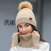 conjuntos de bufanda de invierno de piel sintética al por mayor-Nueva moda de invierno mujer bufanda sombrero guantes conjunto para damas de punto de piel sintética pompones gorrita tejida suave anillo bufandas lindo medio dedo