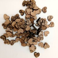 botones de madera en forma de corazón al por mayor-100 Unids / pack Decoración de La Boda Forma de Corazón de Amor de Madera para Bodas Placas Arte Artesanía Adorno Decoración de Costura Botones