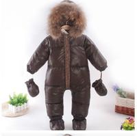 kahverengi tüyler toptan satış-2018 bebek giysileri kış tüy aşağı snowsuit kahverengi bebek giyim rakun kürk yaka erkek tulum yürüyor sıcak ceket