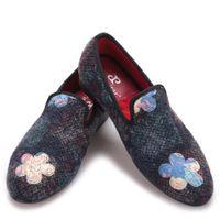 örme kumaş çiçek toptan satış-Yeni karışık renk baskı çiçek ile örme kumaş erkek ayakkabı çiçek düğün ve parti erkekler loafer'lar moda etnik stil erkek daireler
