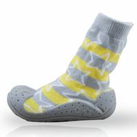 socken schuhe kleinkind gummi großhandel-Neugeborene Antibeleg-Baby-Socken 2 Paare / Los mit Gummisohlen für Kinderkleinkind beschuht erste Wanderer-Baumwollbaby-Socken