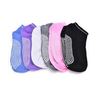 yoga ayak parmağı toptan satış-Yoga Çorap Kaymaz Masaj Ayak Bileği Kadınlar Pilates Fitness Renkli Ayak Dayanıklı Dans Kavrama Egzersiz Baskılı Gym Dans Spor çorap FFA018
