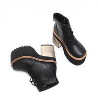 botas negras de encaje hasta las niñas al por mayor-Martin Boots hebilla negra zapatos de tacón super alto Womens cordones Patchwork zapatos de plataforma impermeables niñas Chunkey heel Nightclub tobillo botas