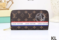 Wholesale badge wallets - 2018 luxury new badge black square v long zipper wallet men wallet clutch bagfree shipping